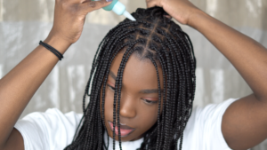 How I Wash My Hair In Protective Styles | Knotless Braids Tutorial